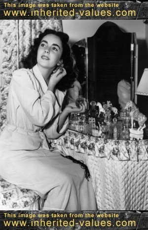 Liz taylor s vintage perfume bottles are nothing to sniff at