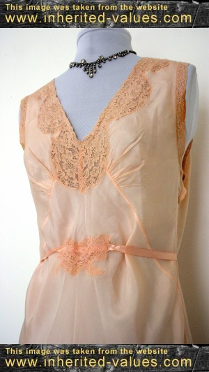 A Guide To Collecting Vintage Fashions & Lingerie ...