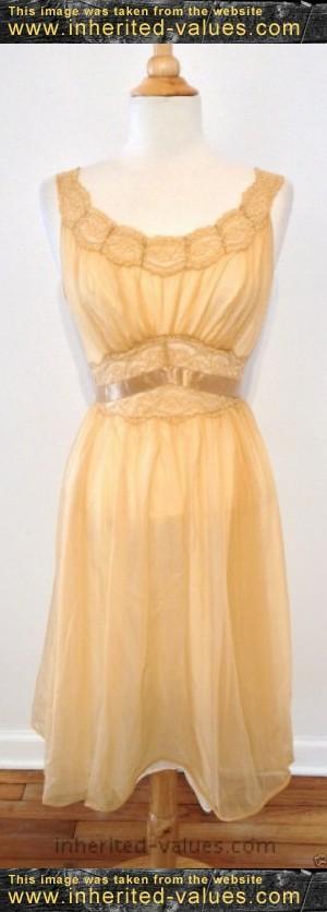 Vintage VANITY FAIR Tan Nylon Lace Lined Full Dress Slip Sleepwear Nightie