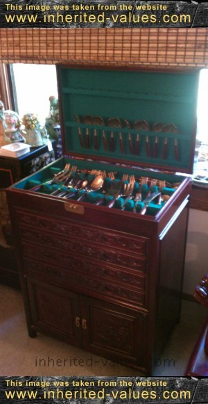 Exceptionnel Rosewood Flatware Cabinet